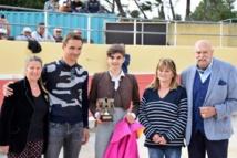 En direct de la feria d'ARLES : Raphaël Ponce de Leon remporte le Trophée de la Peña Juan Bautista 2019