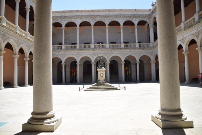 Le patio du Musée militaire de l'Alcazar de Toledo