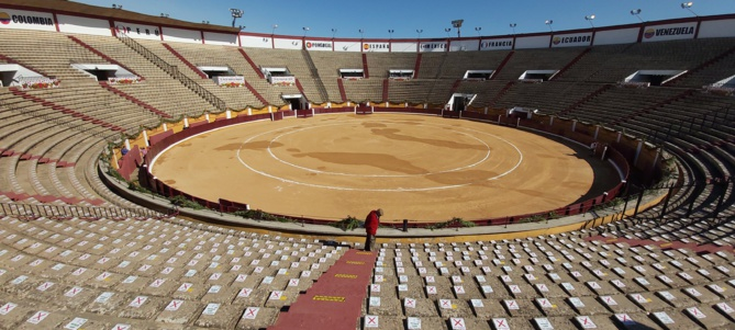 La place de Badajoz le matin du seul contre six du Maestro Ferrera