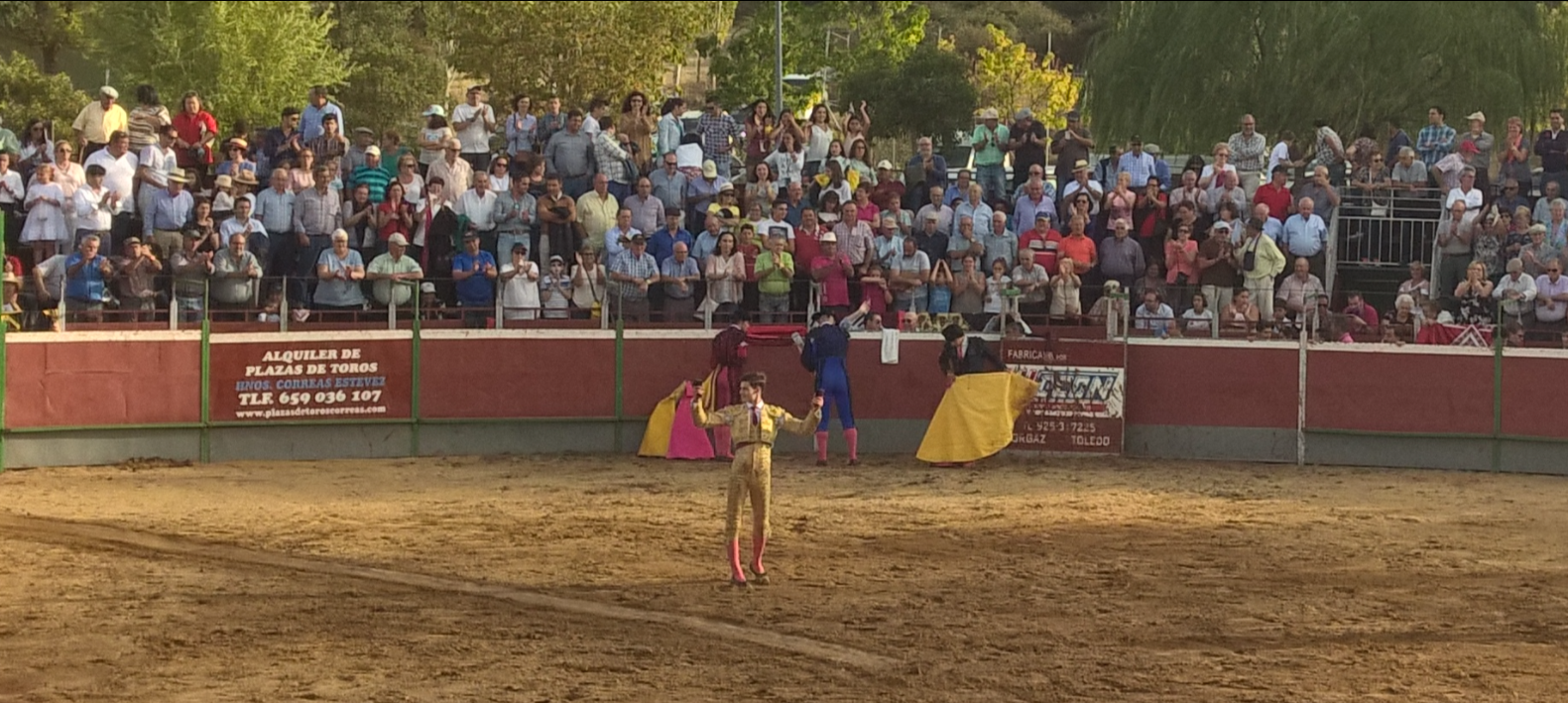 El Rafi coupe 2 oreilles à Tamames (Salamanca)...